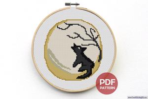Wolf Howling at Moon CrossStitch Pattern